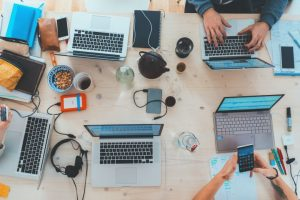 Read more about the article Apa Itu Instant Messaging Marketing dan Bagaimana Metode Ini Mengalahkan Email Marketing
