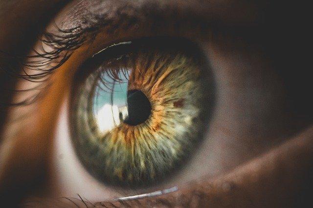 You are currently viewing Cara Mengatasi Kelopak Mata Bengkak